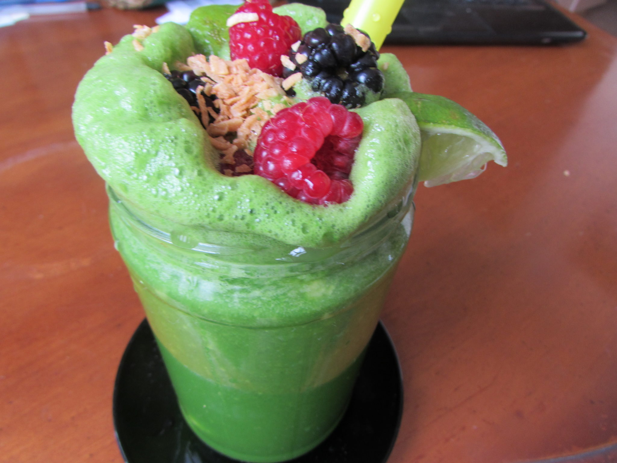 ENERGIZING FRESH JUICED GREEN DRINK
