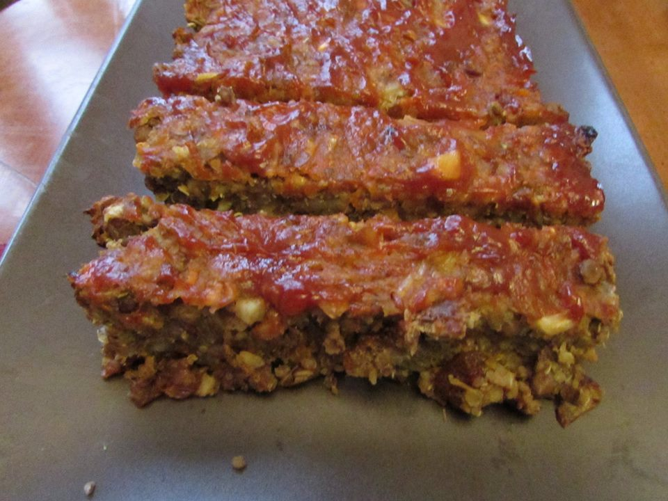 Toronto nutritionist Janet Zdichavsky BRAIN HEALTHY LENTIL QUINOA LOAF WITH SPICY GLAZE TOPPING